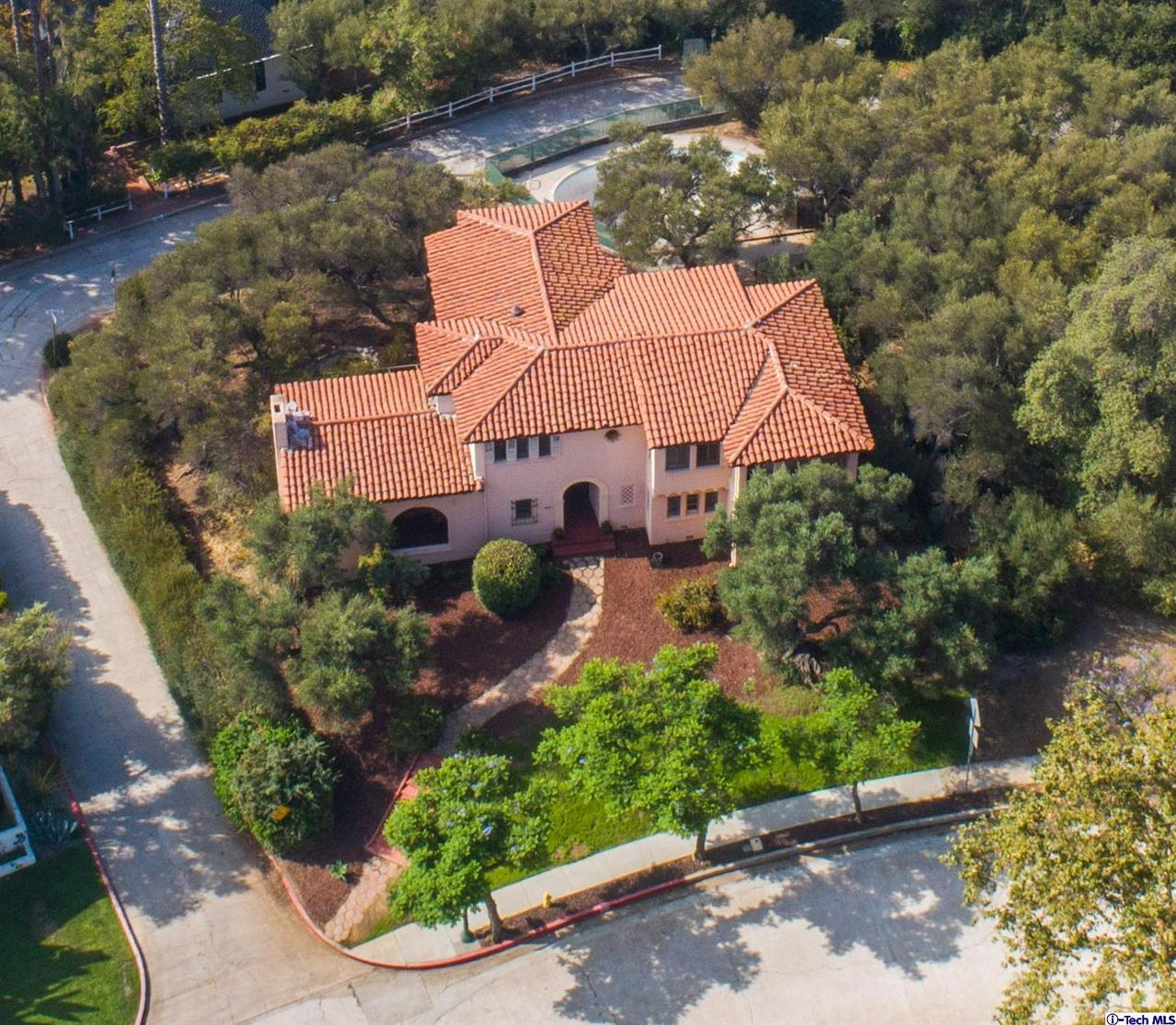 Glendale                                                                      , CA - $2,275,000