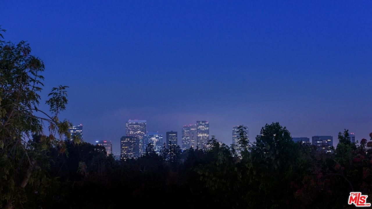 133 MAPLETON, Los Angeles (City), CA 90024
