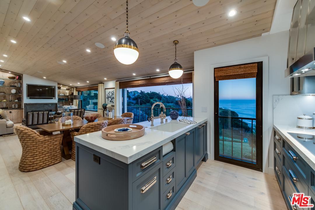 Property for sale at 6825 SHEARWATER LN, Malibu,  CA 90265