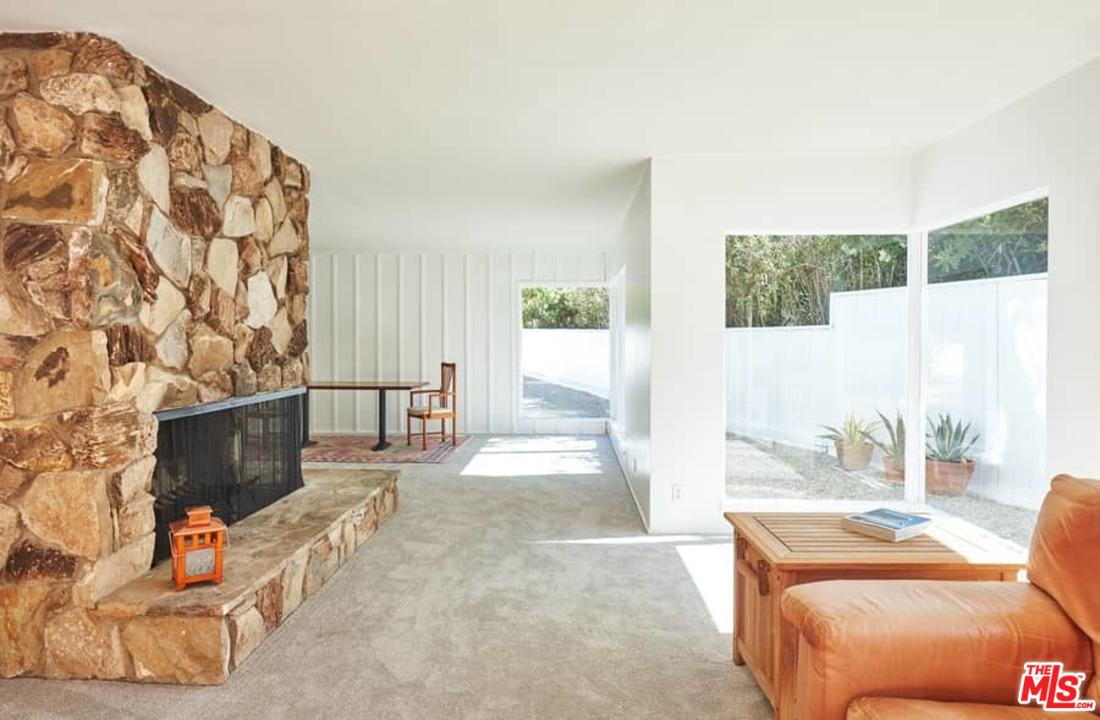 3560 MANDEVILLE CANYON ROAD, LOS ANGELES, CA 90049  Photo 15