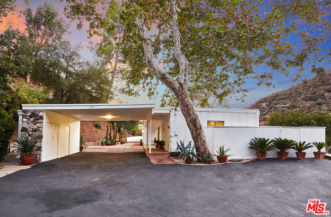 3560 MANDEVILLE CANYON ROAD, LOS ANGELES, CA 90049