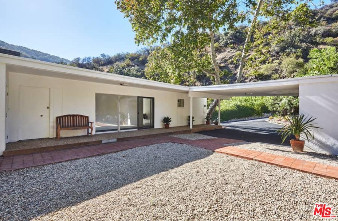 3560 MANDEVILLE CANYON ROAD, LOS ANGELES, CA 90049  Photo 9