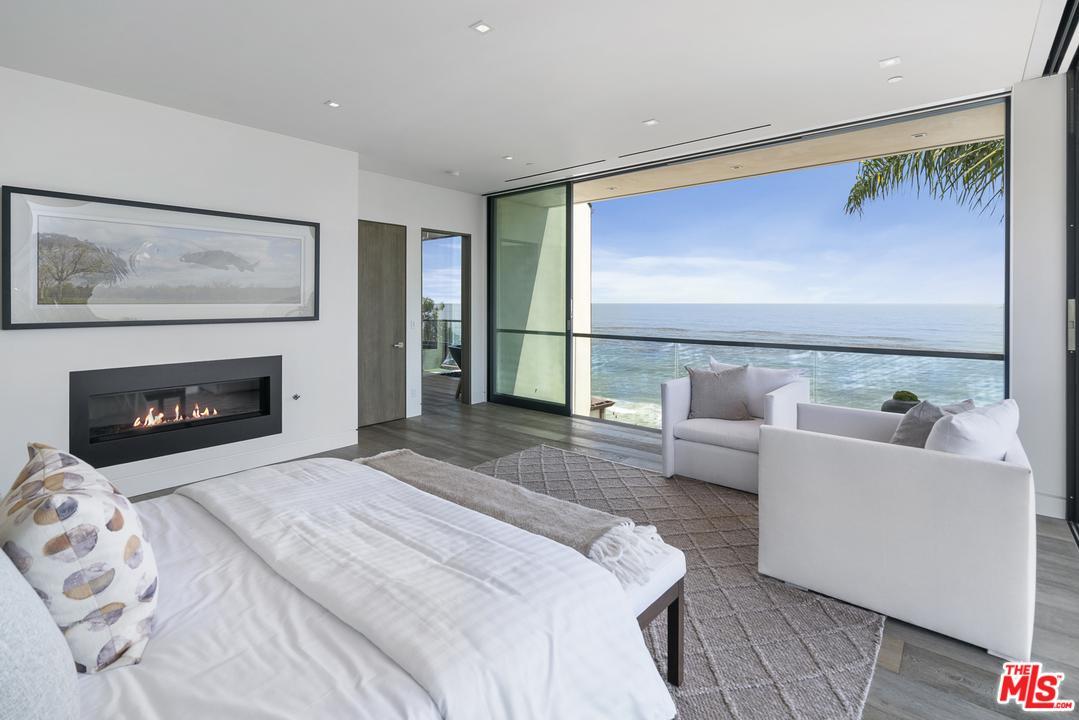 Property for sale at 31824 SEAFIELD DR, Malibu,  CA 90265