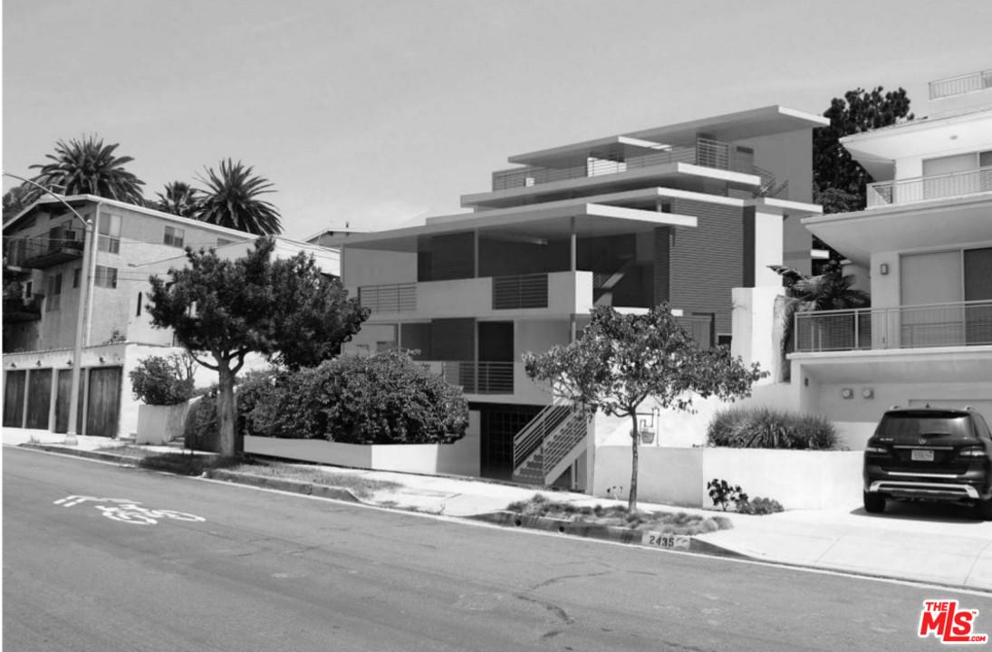 Photo of 2433 6TH ST, Santa Monica, CA 90405