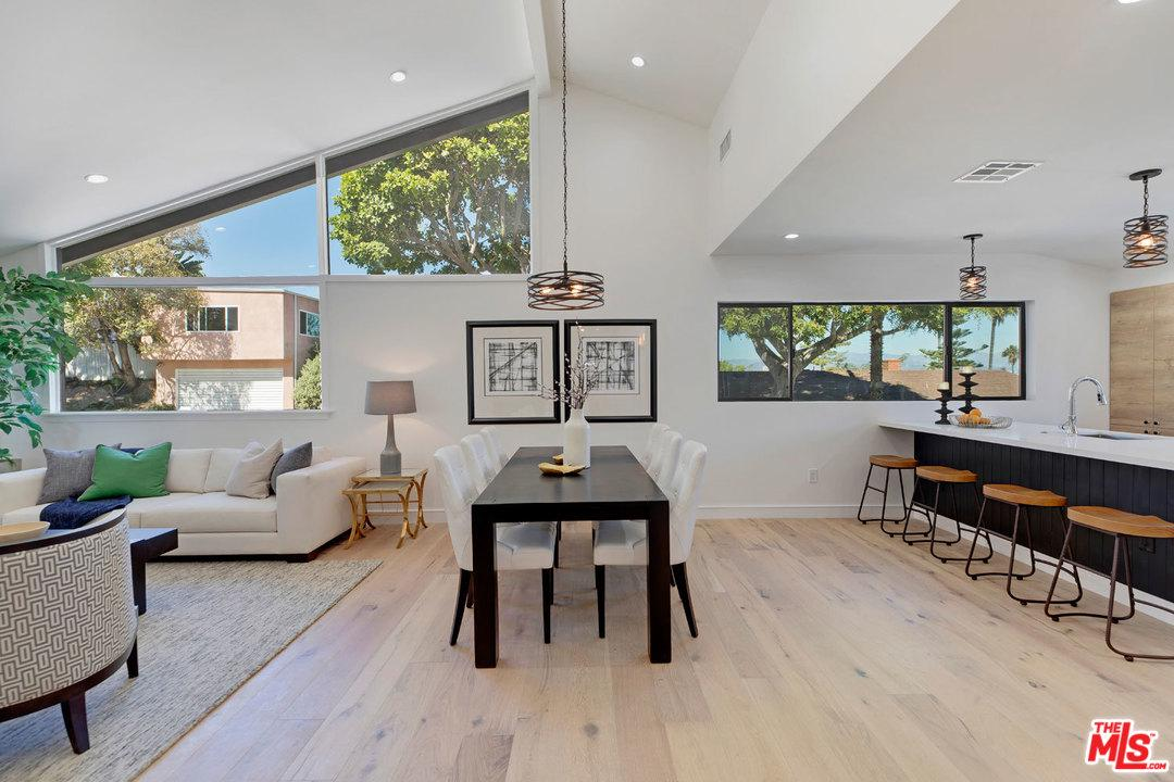 Photo of 5922 WRIGHTCREST DR, Culver City, CA 90232