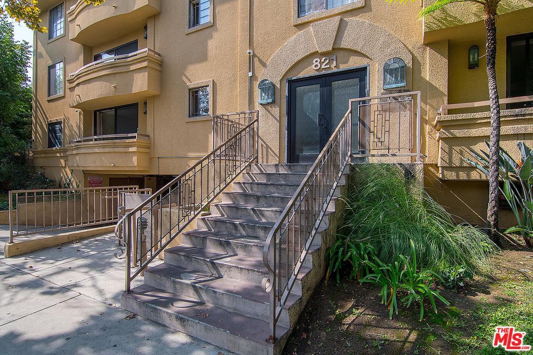 821 NORTH FORMOSA AVENUE #101, LOS ANGELES, CA 90046  Photo 3