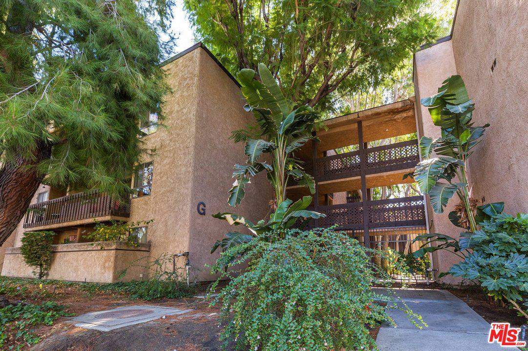Photo of 22100 BURBANK, Woodland Hills, CA 91367