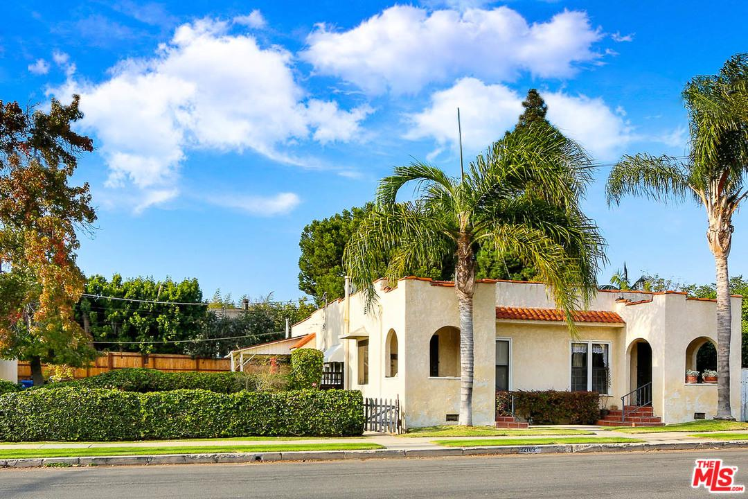 Property for sale at 12107 CHARNOCK RD, Los Angeles,  CA 90066