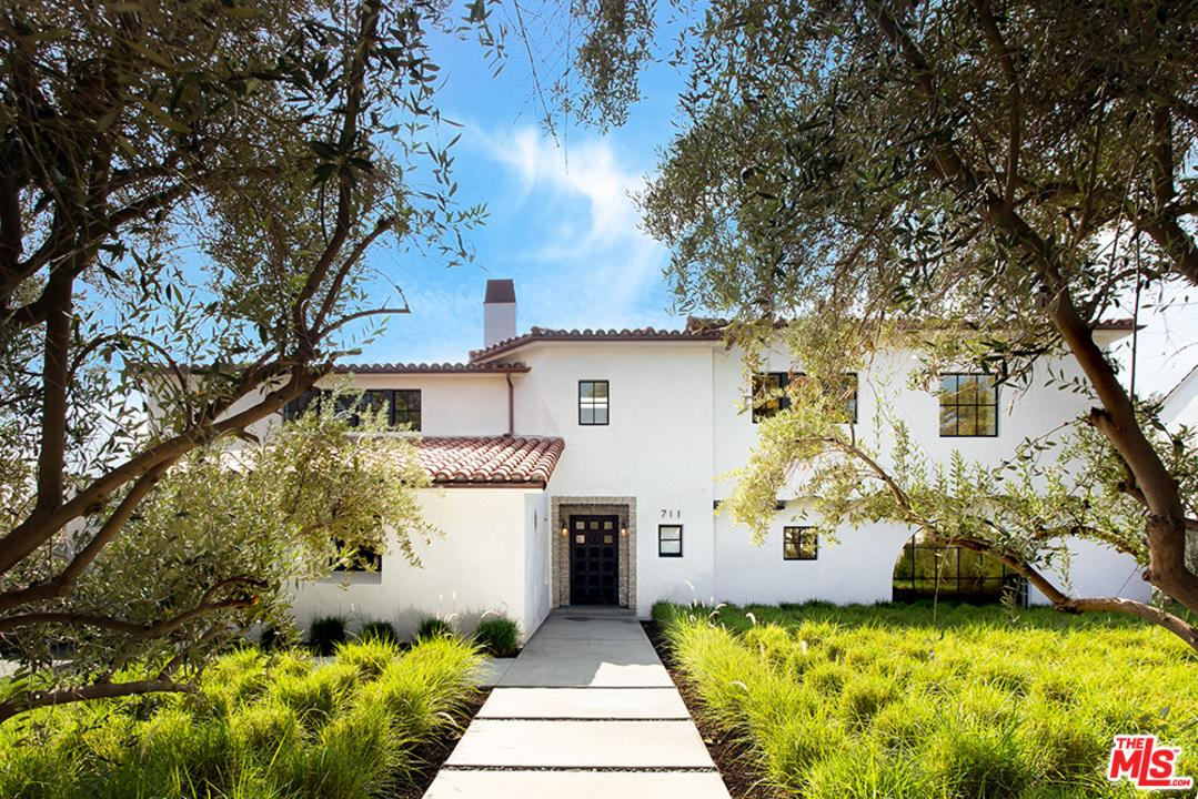 Photo of 711 WALDEN DR, Beverly Hills, CA 90210