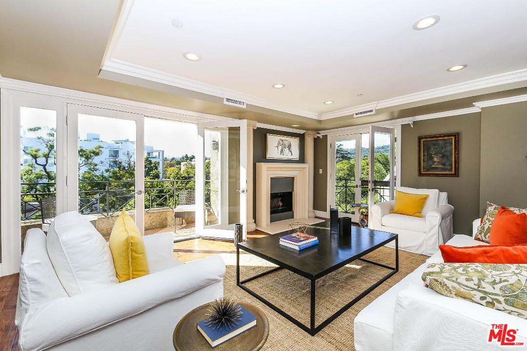 448 OAKHURST, Beverly Hills, CA 90210