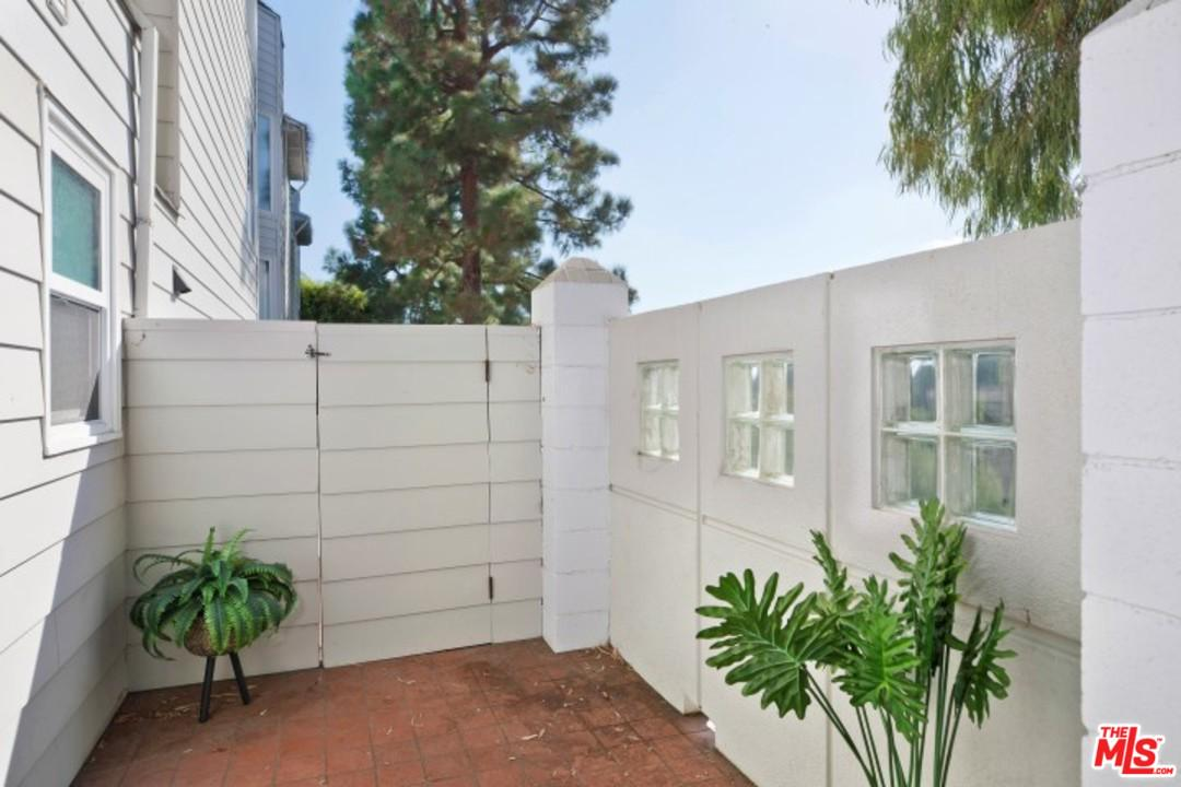 830 HAVERFORD AVENUE #1, PACIFIC PALISADES, CA 90272  Photo 25