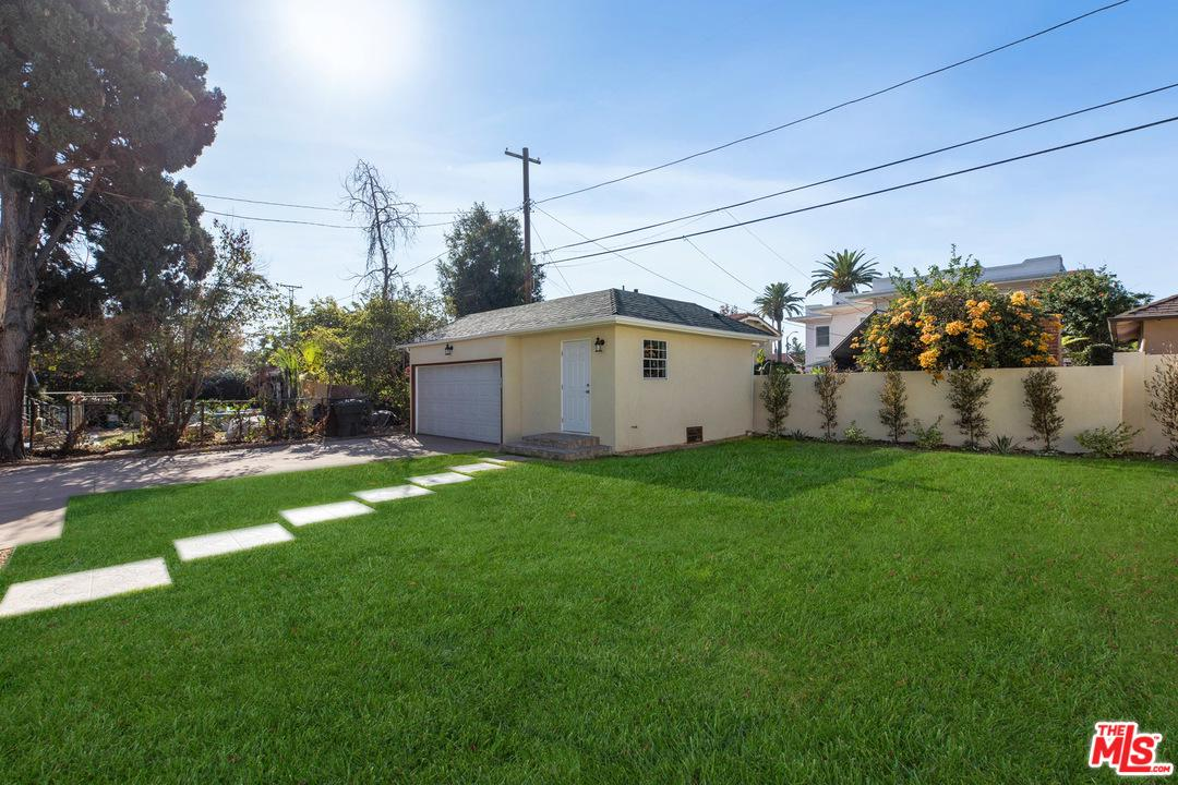 2109 WELLINGTON, Los Angeles (City), CA 90016