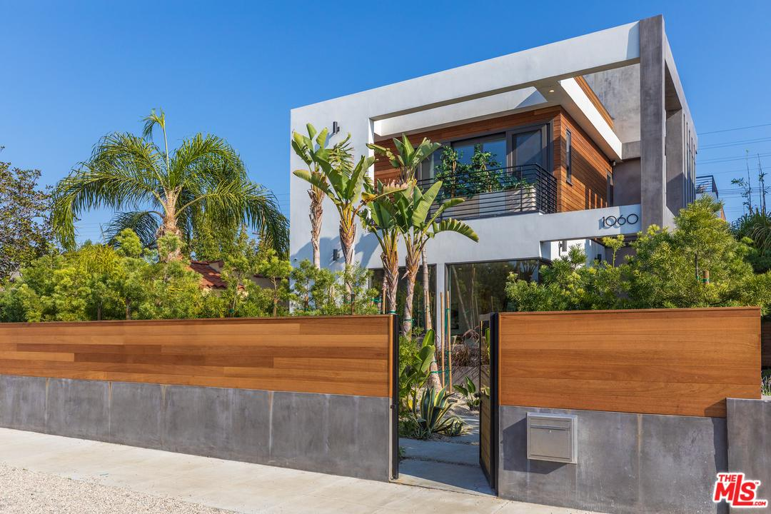 1060 PALMS - Venice, California