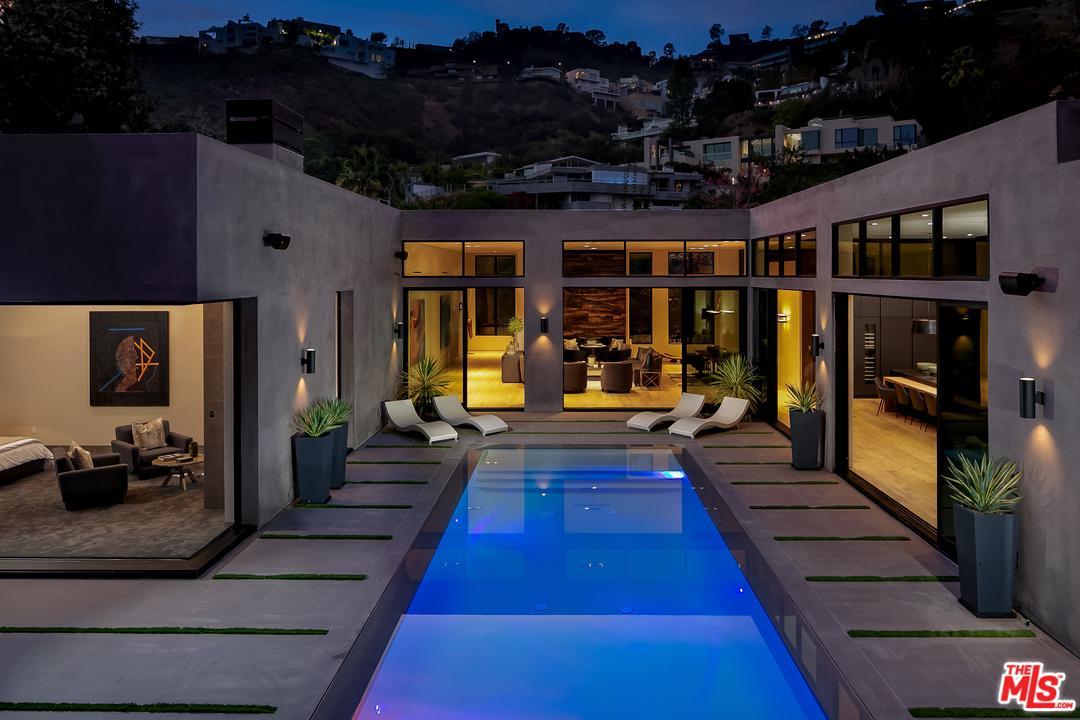 1730 RISING GLEN, Los Angeles (City), CA 90069