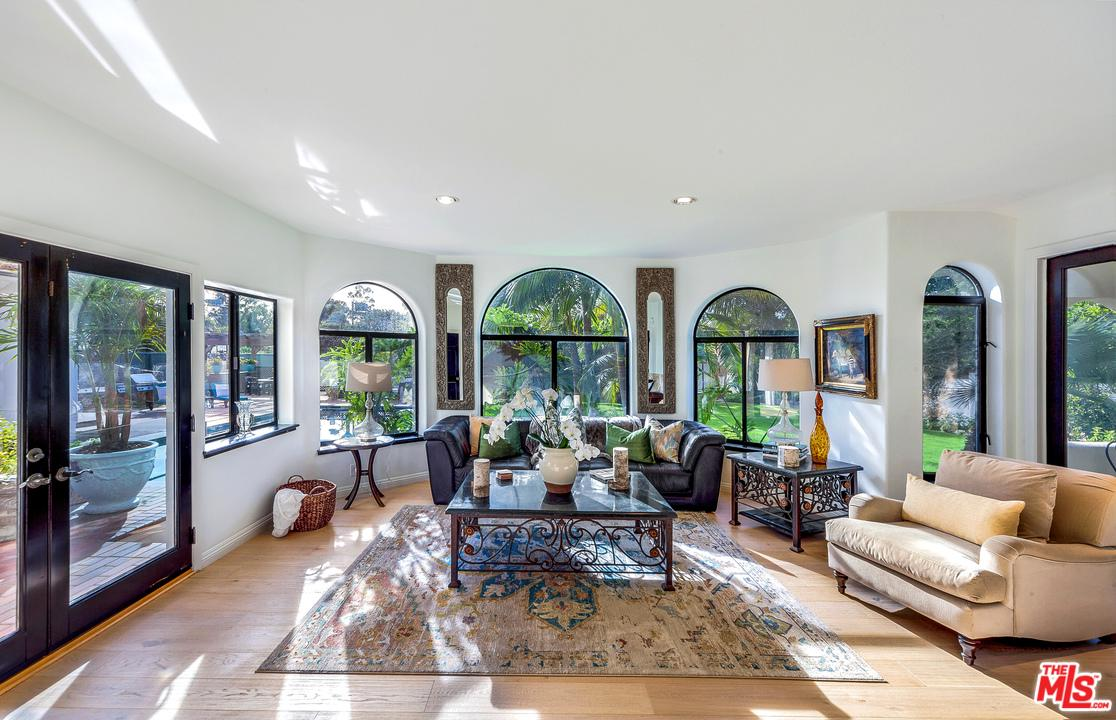 Photo of 28820 GRAYFOX ST, Malibu, CA 90265