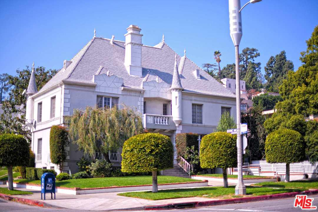 2203 BEACHWOOD, Los Angeles (City), CA 90068