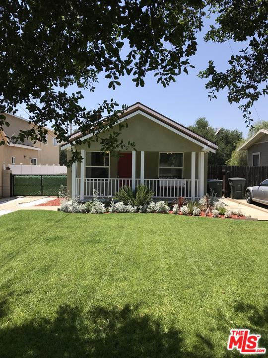 1691 NAVARRO, Pasadena, CA 91103