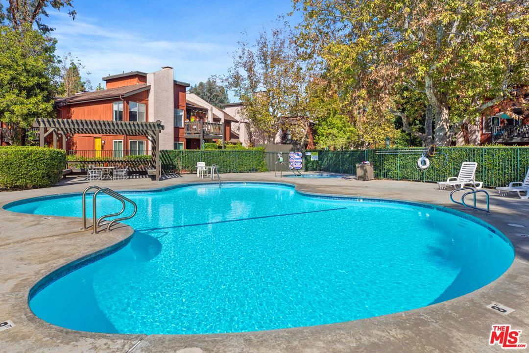 4745 MAYTIME, Culver City, CA 90230
