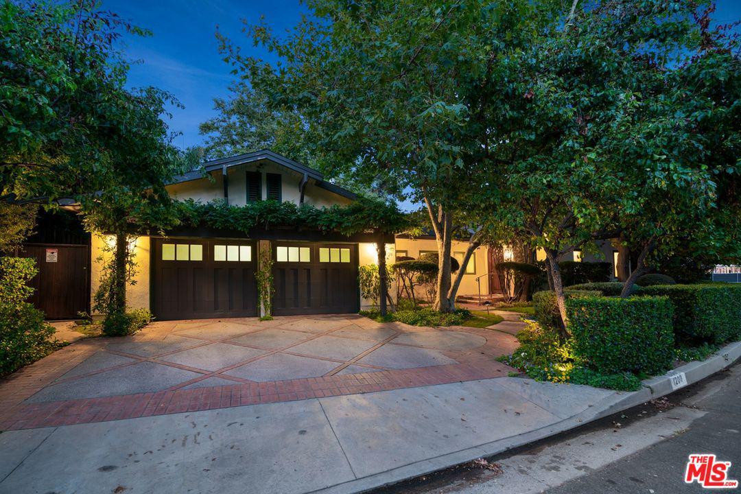 Photo of 1200 SHADYBROOK DR, Beverly Hills, CA 90210