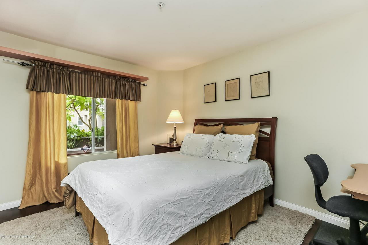 1200 PACIFIC COAST, Huntington Beach, CA 92648 - 010-5937535-medium