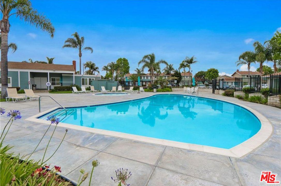 19749 CLAREMONT, Huntington Beach, CA 92646