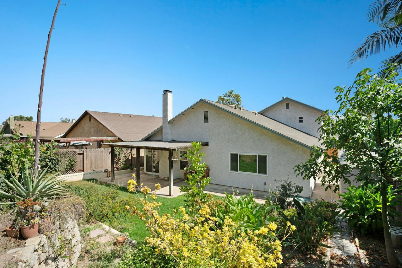 5493 SUMMERFIELD, Camarillo, CA 93012 - Backyard view 3