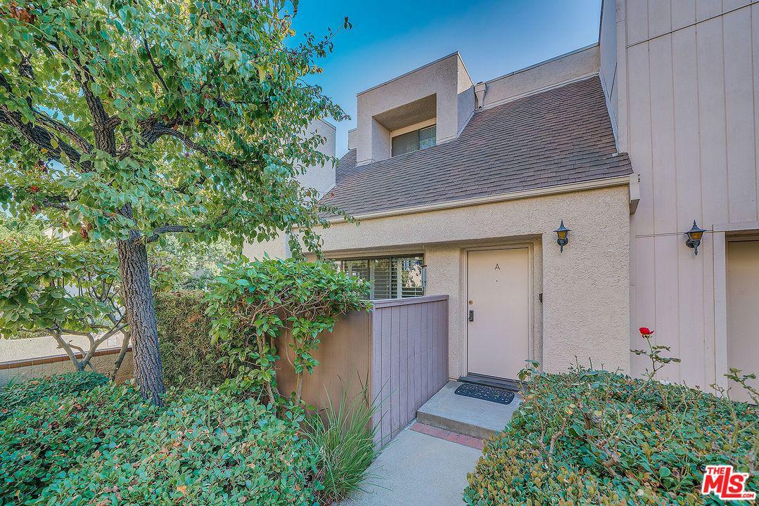 15173 MAGNOLIA, A - Sherman Oaks, California