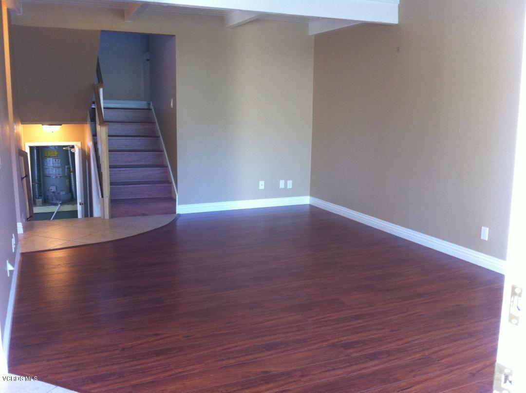 1337 ALESSANDRO, Newbury Park, CA 91320 - Living room