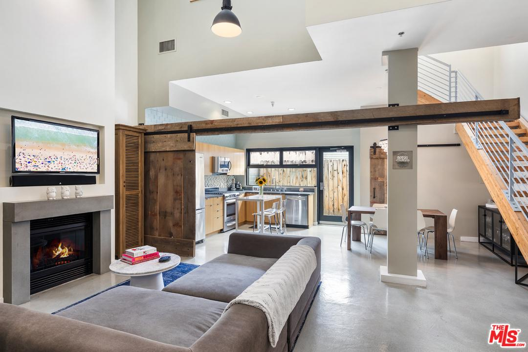 Property for sale at 815 HAMPTON DR #3, Venice,  CA 90291