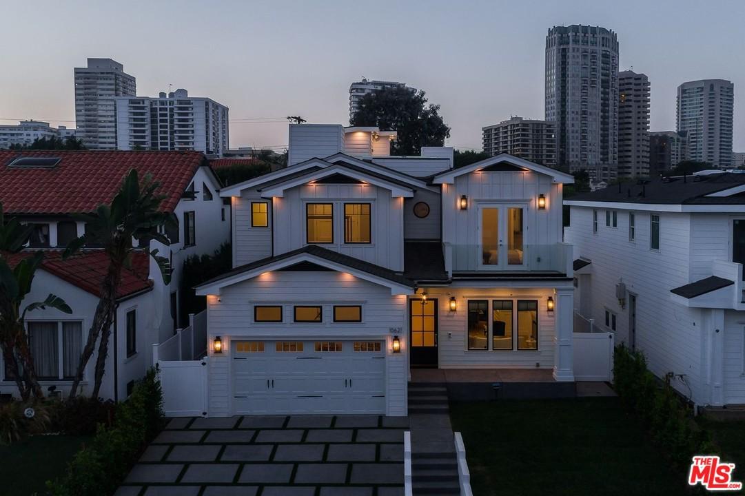Photo of 10621 OHIO AVE, Los Angeles, CA 90024