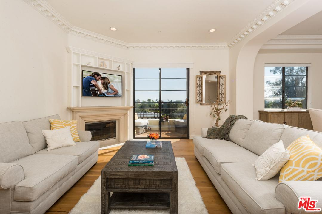 Property for sale at 453 S BARRINGTON AVE #405, Los Angeles,  CA 90049