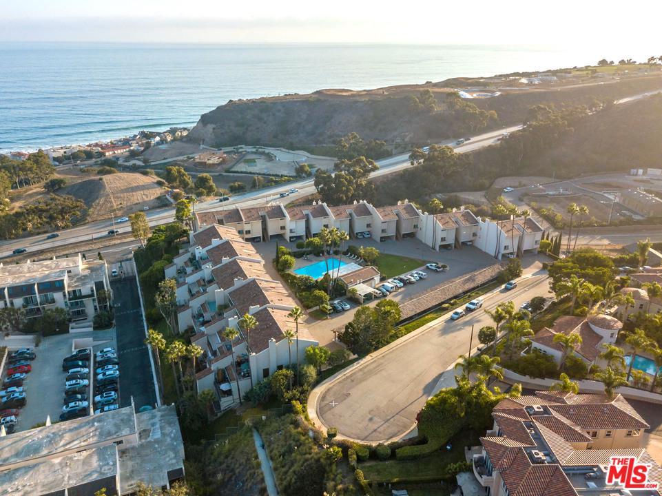 23924 DE VILLE, Malibu, CA 90265
