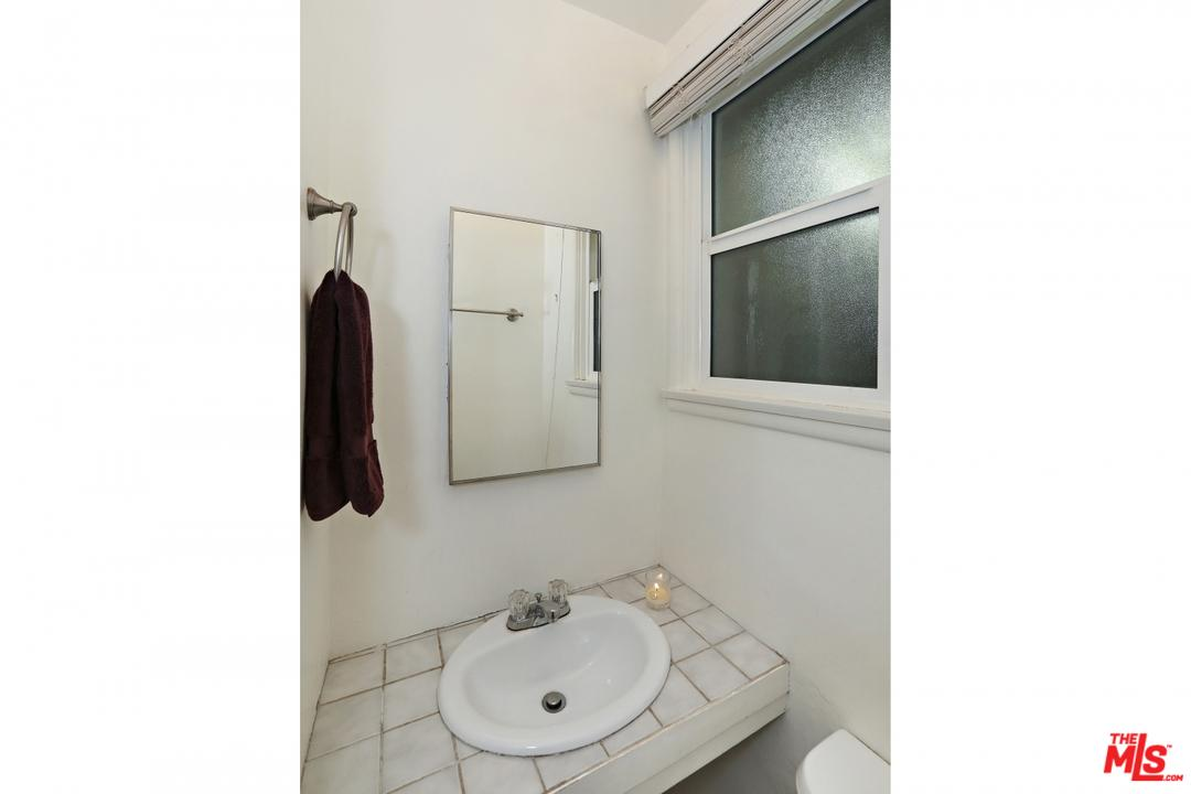 8501 BRIER DRIVE, LOS ANGELES, CA 90046  Photo 21