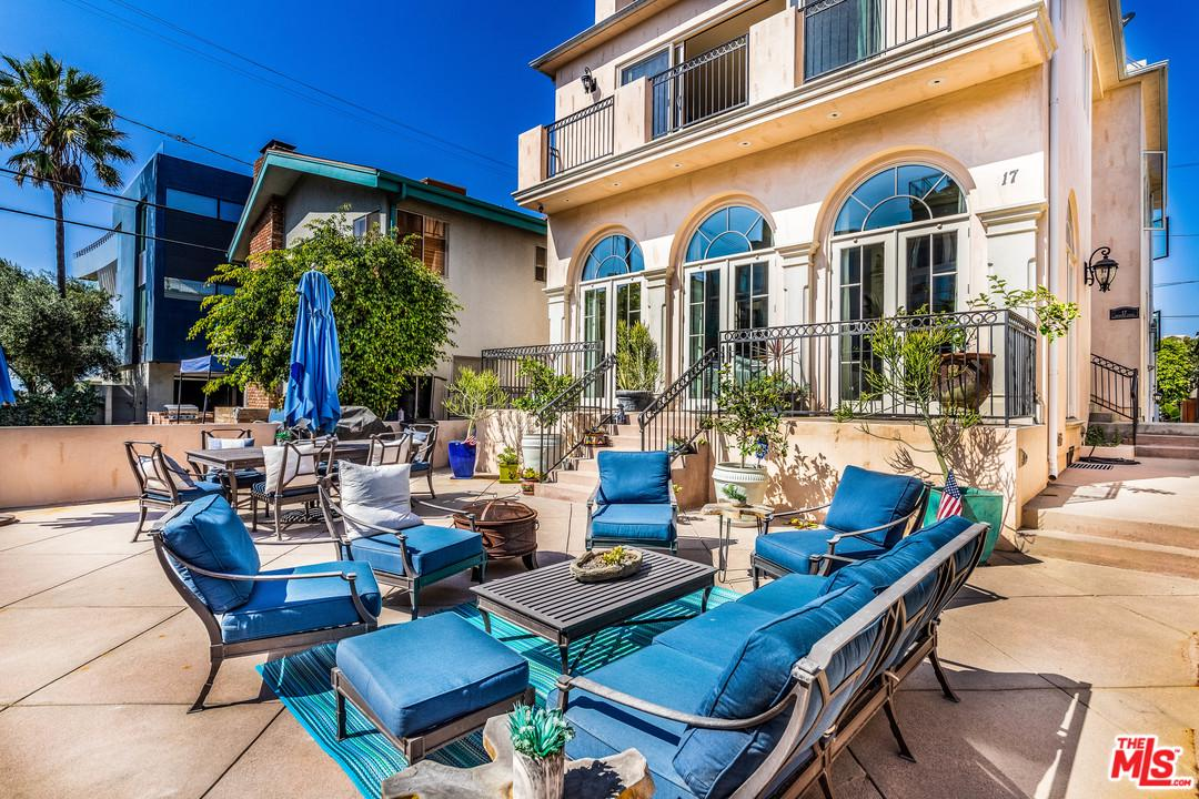 Photo of 17 PRIVATEER ST, Marina Del Rey, CA 90292