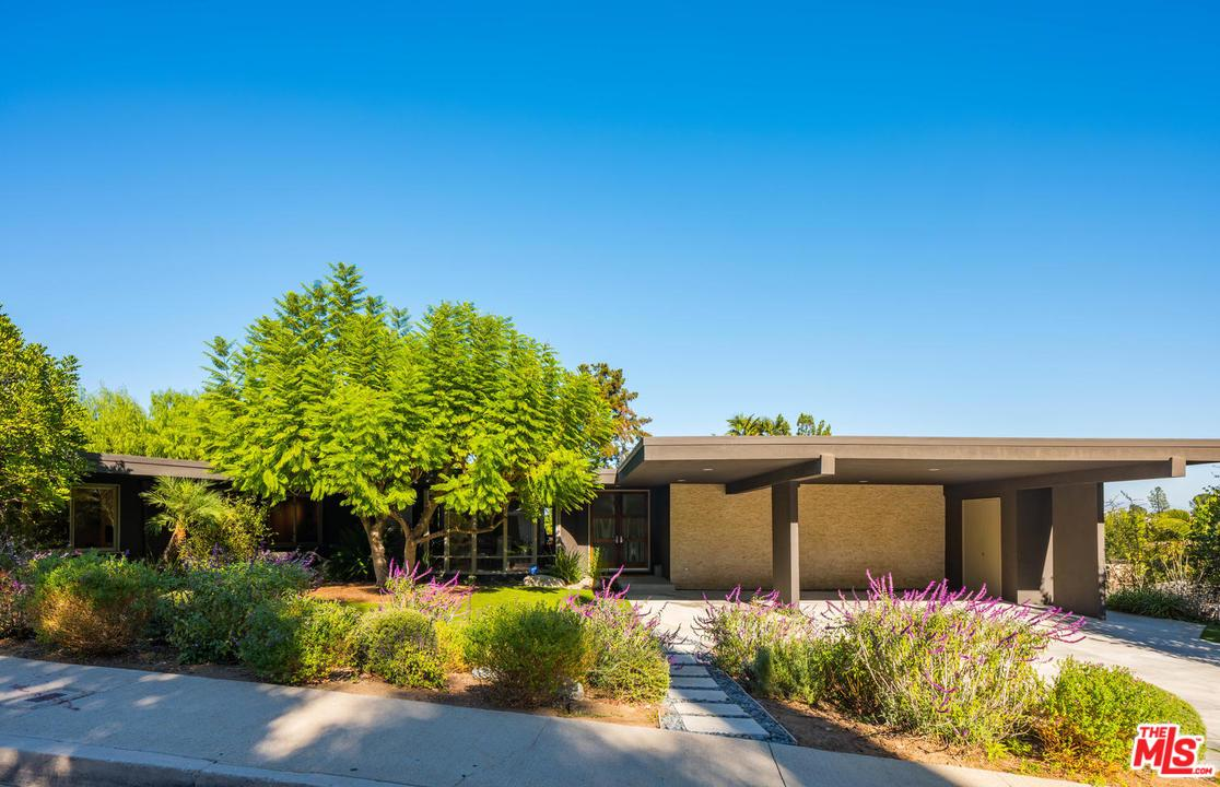 Photo of 4144 CLEAR VALLEY DR, Encino, CA 91436