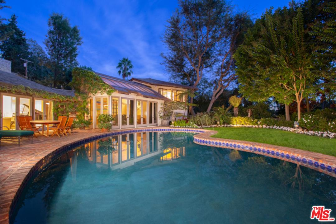 Photo of 9051 BRIARCREST LN, Beverly Hills, CA 90210