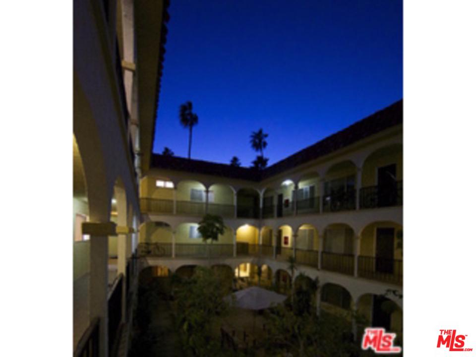 Photo of 1033 6TH ST, Santa Monica, CA 90403