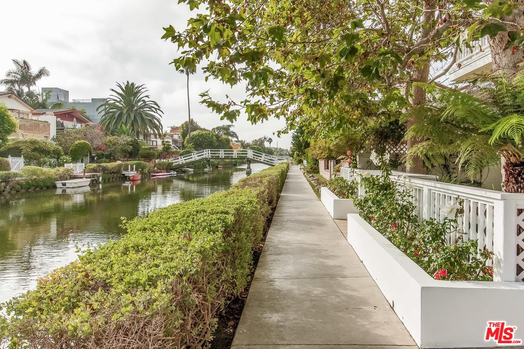 Photo of 2620 GRAND CANAL, Venice, CA 90291