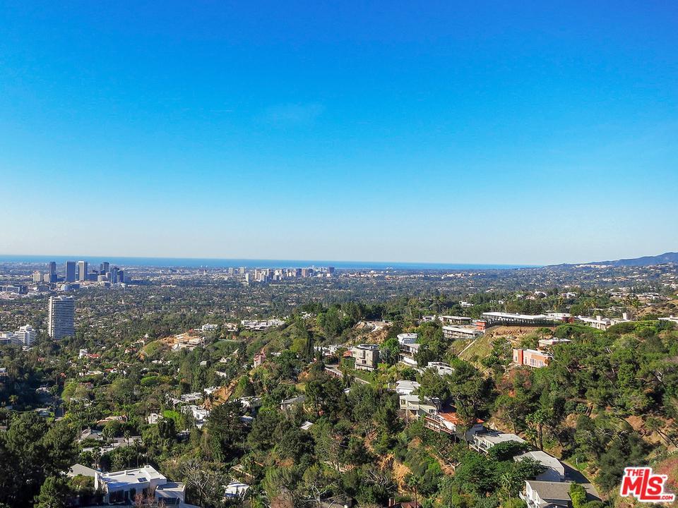 1601 BLUE JAY, Los Angeles (City), CA 90069