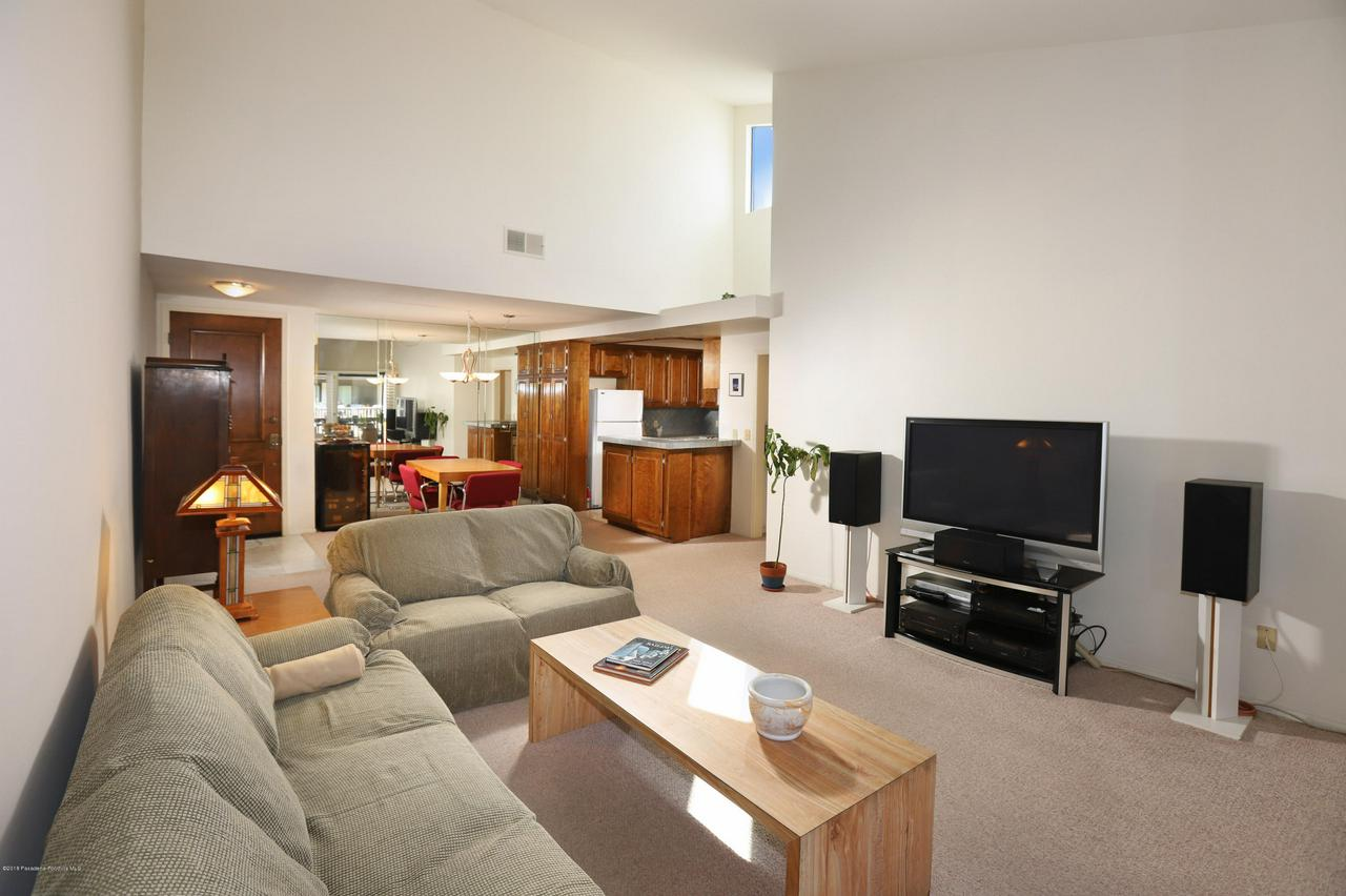 8600 TUSCANY, Playa Del Rey, CA 90293 - Living Room2_1030