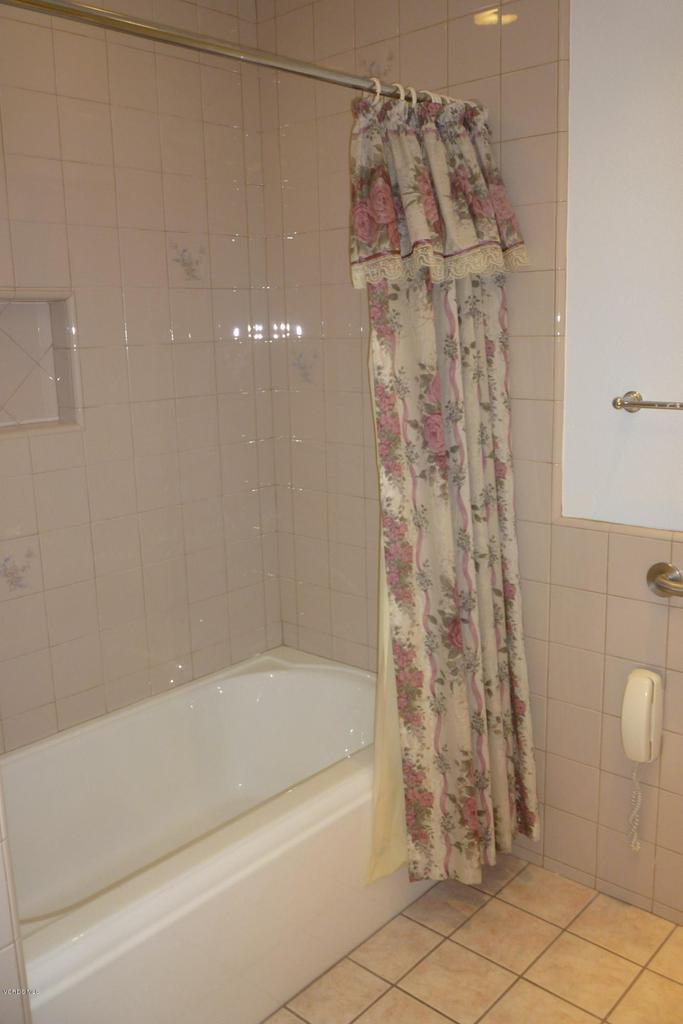 20309 VILLAGE 20, Camarillo, CA 93012 - For MLS Listing 060