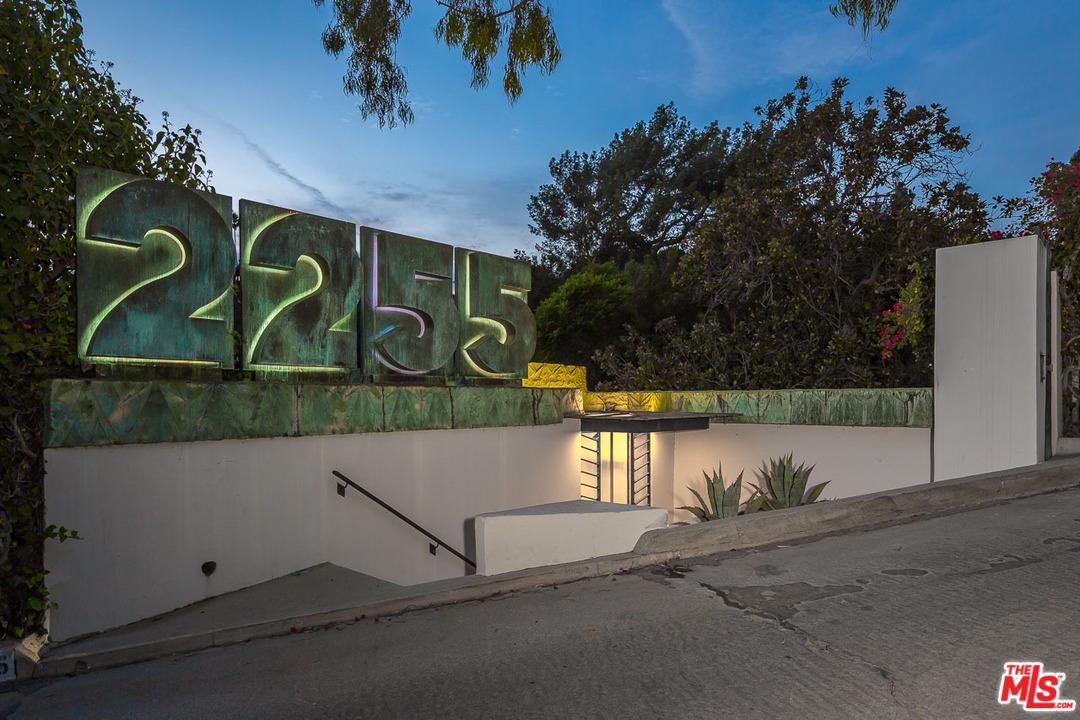 2255 VERDE OAK, Los Angeles (City), CA 90068