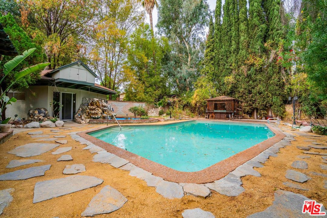 5955 OAKDALE AVENUE, WOODLAND HILLS, CA 91367  Photo 8