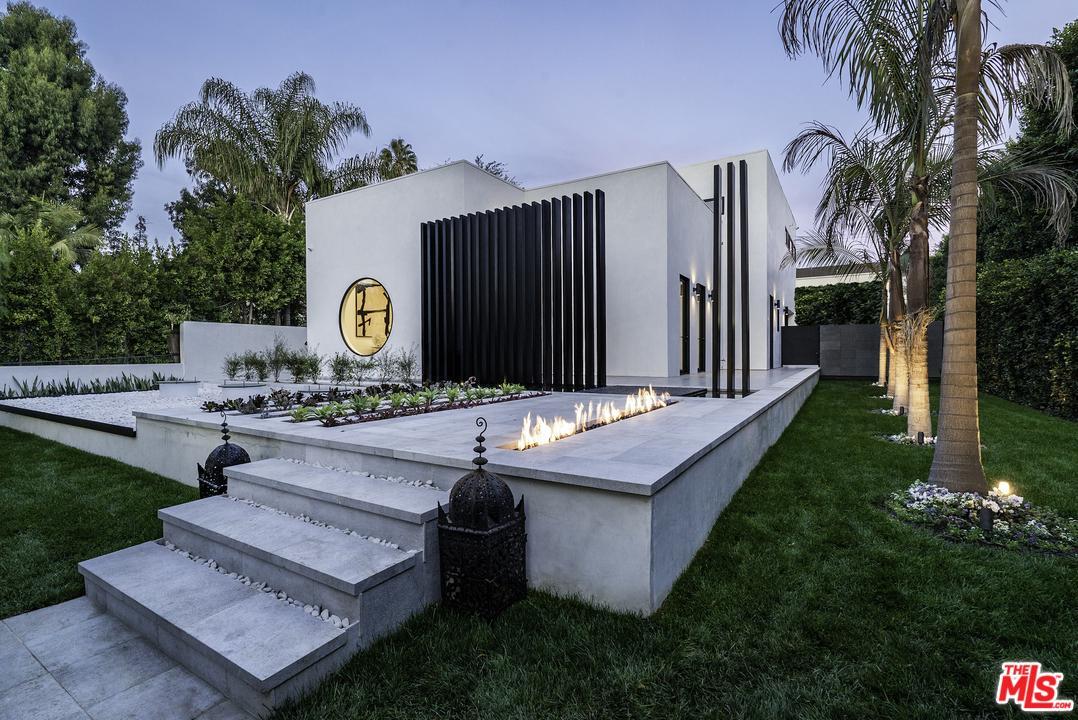 810 ORLANDO, Los Angeles (City), CA 90069