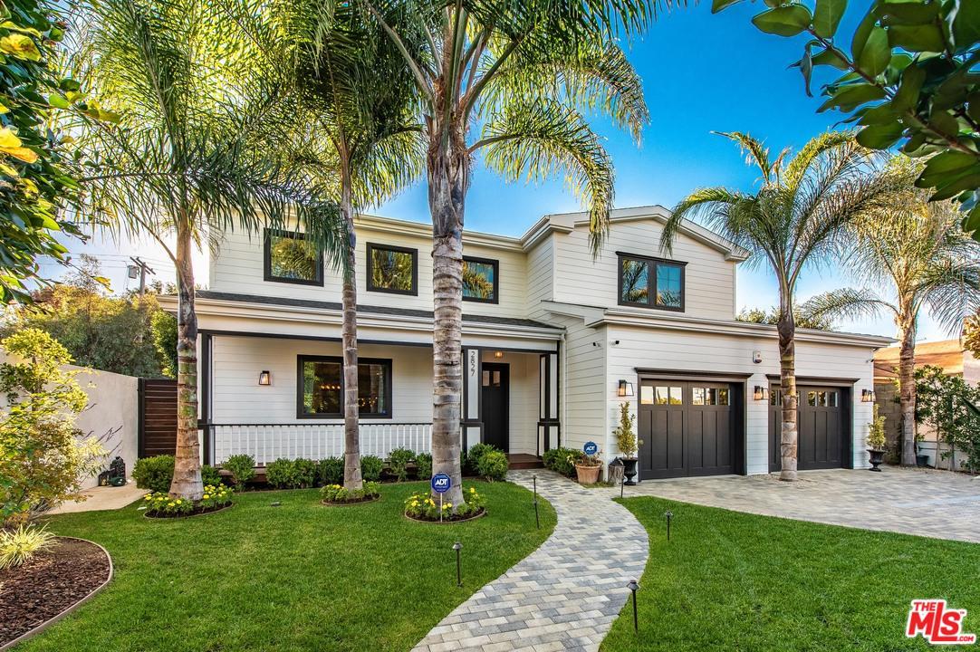 Photo of 2827 S BARRINGTON AVE, Los Angeles, CA 90064