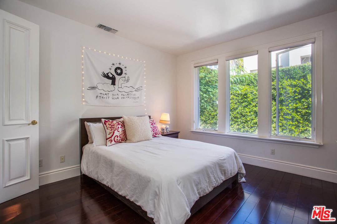 16649 CALLE HALEIGH, Pacific Palisades, CA 90272