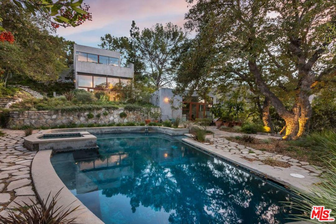 3201 COLDWATER CANYON, Beverly Hills, CA 90210
