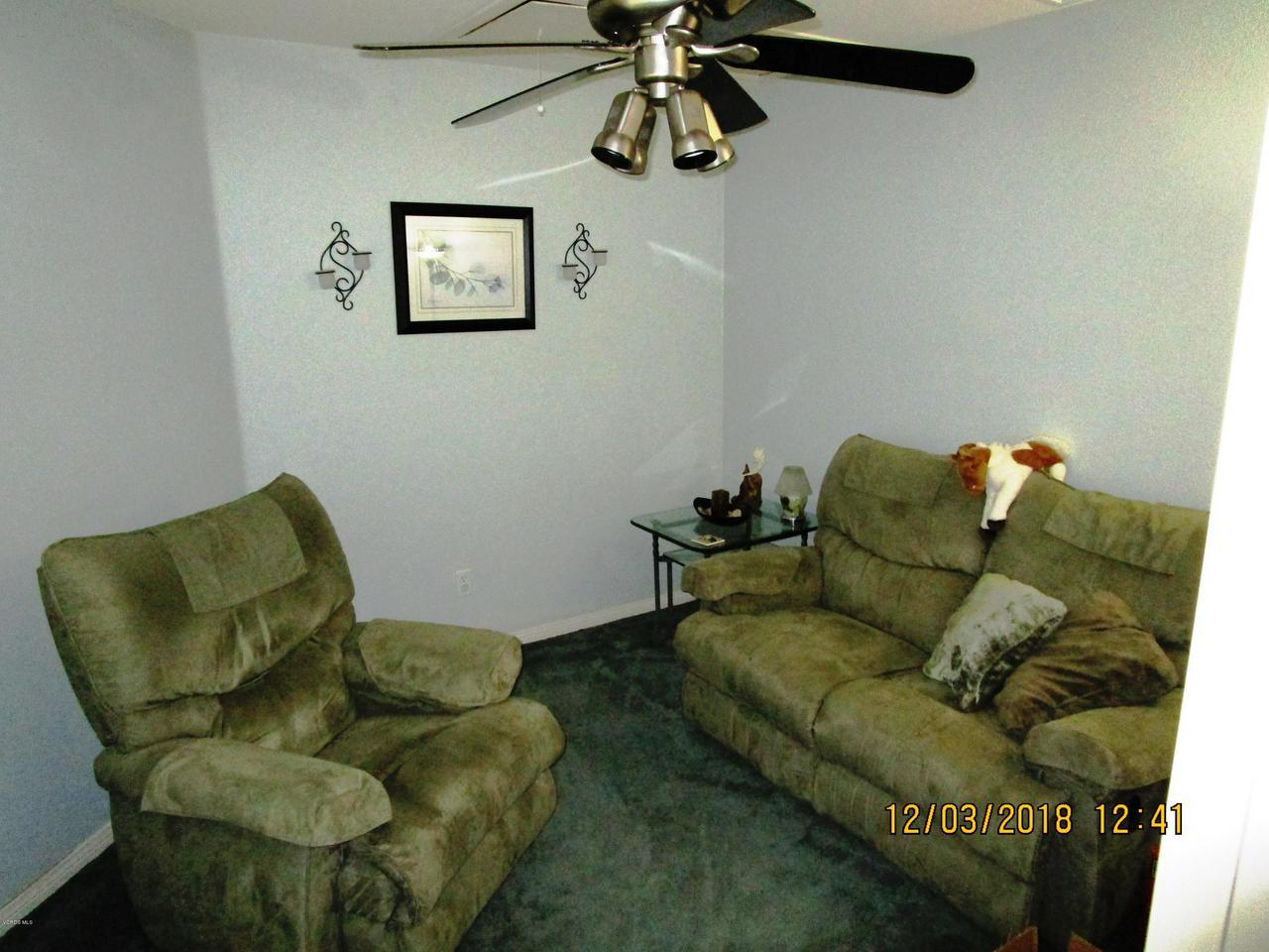 1063 MEADOWLARK, Fillmore, CA 93015 - master sitting room