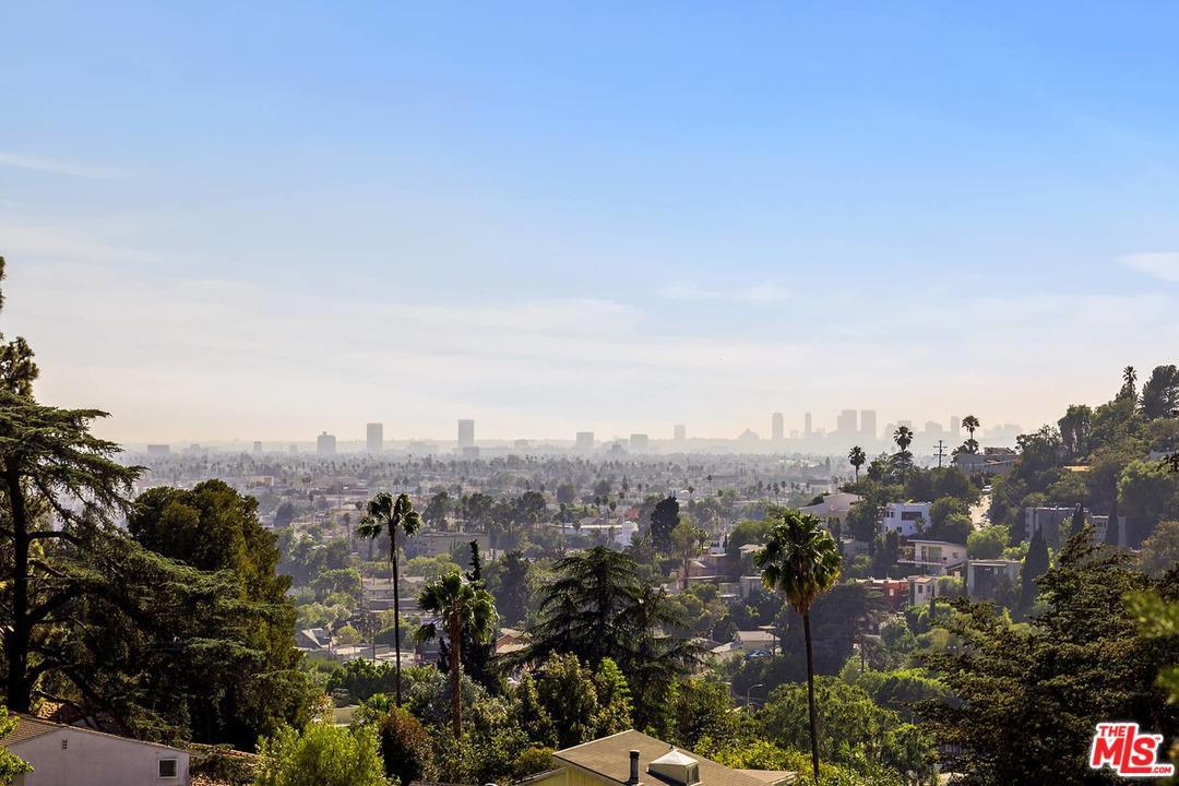 2117 REDROCK, Los Angeles (City), CA 90039