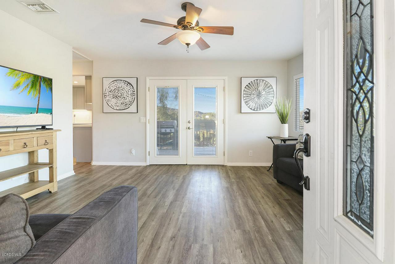 6834 SANTA SUSANA PASS, Simi Valley, CA 93063 - dEntry and Living Room1